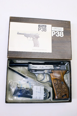 "Pistole - Walther Mod. P38 ""100 Jahre Walther"" 1886-1986 in OVP / Cal. 9mm Luger"